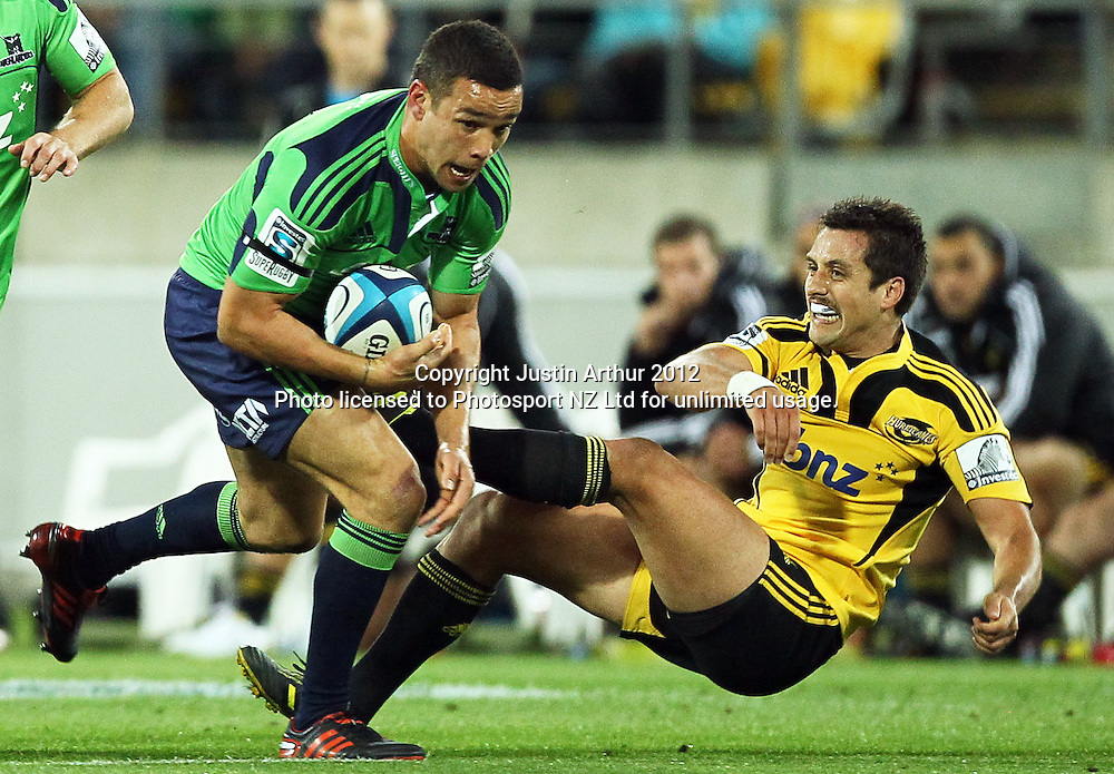 Highlanders' Tamati Ellisonin action during the 2012 Super Rugby season, Hurricanes v Highlanders at Westpac Stadium, Wellington, New Zealand on Saturday 17 March 2012. Photo: Justin Arthur / Photosport.co.nz