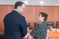 18 SEP 2019, BERLIN/GERMANY:<br /> Jens Spahn (L), CDU, Bundesgesundheitsminister, und Anette Kramp-Karrenbauer (R), CDU, Bundesverteidigungsministerin, im Gespraech, vor Beginn der Kabinettsitzung, Bundeskanzleramt<br /> IMAGE: 20190918-01-002<br /> KEYWORDS: Sitzung, Kabinett, Gespräch