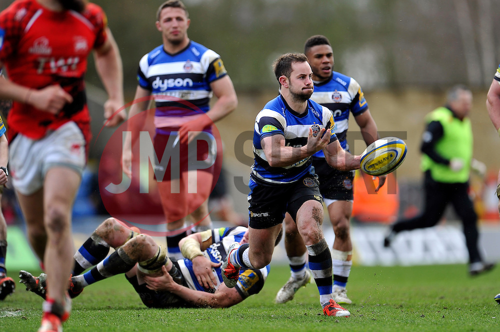 Micky Young of Bath Rugby passes the ball - Photo mandatory by-line: Patrick Khachfe/JMP - Mobile: 07966 386802 29/03/2015 - SPORT - RUGBY UNION - Oxford - Kassam Stadium - London Welsh v Bath Rugby - Aviva Premiership