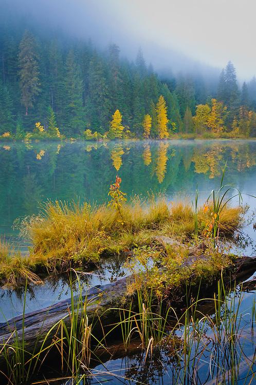Hidden Lake, Okanogan-Wenatchee National Forest, Cascade Mountains, Washington.