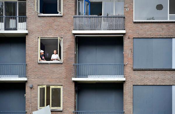 Nederland, Arnhem, 12-9-2012flats uit de jaren 50, wederopbouw, worden gesloopt om plaats te maken voor nieuwbouw.Foto: Flip Franssen/Hollandse Hoogte