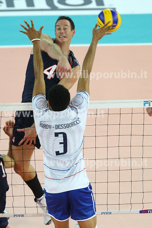DAVID LEE IN ATTACCO.USA - Francia.Volley 2010.Campionati mondiali pallavolo maschile 2010.Roma 04-10-2010.Foto Galbiati - Rubin