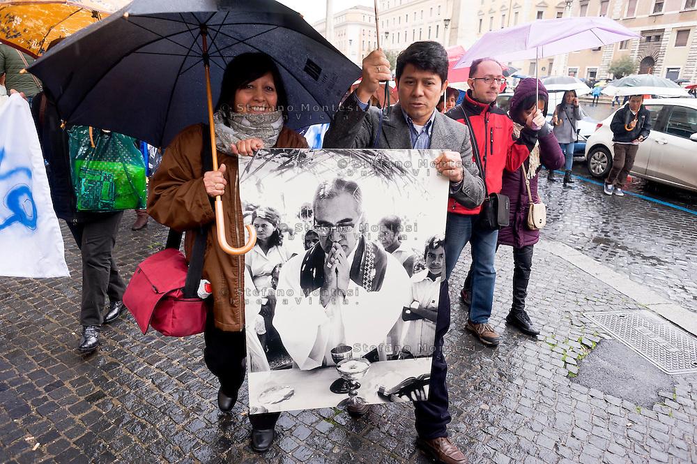Roma 22 Marzo 2015<br /> La Caritas di Roma  celebra  la &laquo;Settimana della carit&agrave;&raquo; che quest&rsquo;anno coincide con le celebrazioni per il 35&deg; anniversario del martirio del vescovo salvadoregno Oscar Romero che verr&agrave; beatificato il 23 maggio. Concelebrazione dell&rsquo;Eucaristia a Santa Maria in Traspontina (via della Conciliazione 14) presieduta dall&rsquo;arcivescovo Vincenzo Paglia, presidente del Pontificio Consiglio per la famiglia. Dopo la santa messa i partecipanti si recano in marcia verso piazza San Pietro per assistere all&rsquo;Angelus.<br /> Rome March 22, 2015<br /> Caritas of Rome celebrate the &quot;Week of charity&quot; which this year coincides with celebrations for the 35th anniversary of the martyrdom of Bishop Oscar Romero of El Salvador who will be beatified on 23 May. Celebration of the Eucharist at Santa Maria in Traspontina (Via della Conciliazione 14) presided over by Vincenzo Paglia, president of the Pontifical Council for the Family. After the Mass the participants go on the march to St. Peter's Square to attend the Angelus.