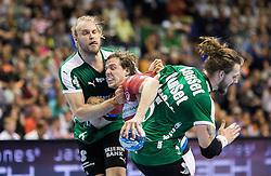 Berlin, Deutschland, 16.05.2015:<br /> Handball EHF Pokal Halbfinale Spiel 1 2014 / 2015 - Skjern Handbold - HSV Hamburg - EHF CUP Finals 2014/15.<br /> <br /> Kentin Mahe (HSV #22) - Henrik Moellgaard Jensen (Skjern Handbold #6) and Frederik Borm (Skjern Handbold #5) *** Local Caption *** &copy; pixathlon