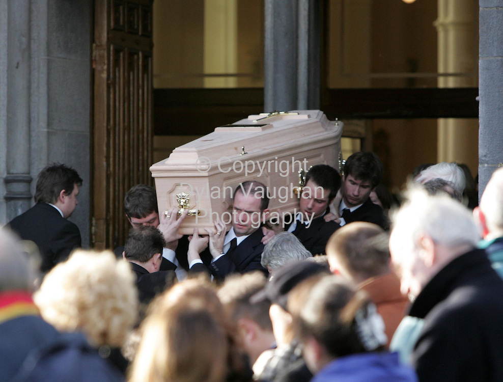 12/12/2006.The coffin of Alan Cunniffe pictured leaving St Canices Church at his funeral in Kilkenny yesterday..Picture Dylan Vaughan.