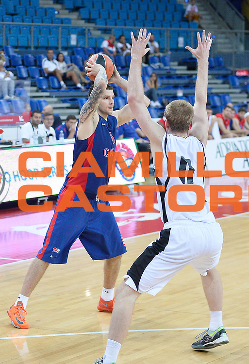 DESCRIZIONE : Pesaro Torneo Euro Hoop Series 2013 Granarolo Virtus Bologna-CSKA Mosca<br /> GIOCATORE : Valdimir Micov<br /> CATEGORIA : passaggio<br /> SQUADRA : CSKA Mosca<br /> EVENTO : Torneo Euro Hoop Series 2013<br /> GARA : Granarolo Virtus Bologna-CSKA Mosca<br /> DATA : 21/09/2013<br /> SPORT : Pallacanestro<br /> AUTORE : Agenzia Ciamillo-Castoria/R.Morgano<br /> Galleria : Lega Basket 2013-2014<br /> Fotonotizia : Pesaro Torneo Euro Hoop Series 2013 Granarolo Virtus Bologna-CSKA Mosca<br /> Predefinita :