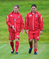 CARDIFF, WALES - Friday, September 5, 2008: Wales' physiotherapist Mel Pejic and masseur David Rowe during training at Vale of Glamorgan Hotel ahead of the second 2010 FIFA World Cup South Africa Qualifying Group 4 match against Russia. (Photo by David Rawcliffe/Propaganda)