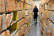 Nederland, Nijmegen, 6-9-2012Archiefmappen hangen in kasten van het UMCN.Het zijn patiëntendossiers. Foto: Flip Franssen