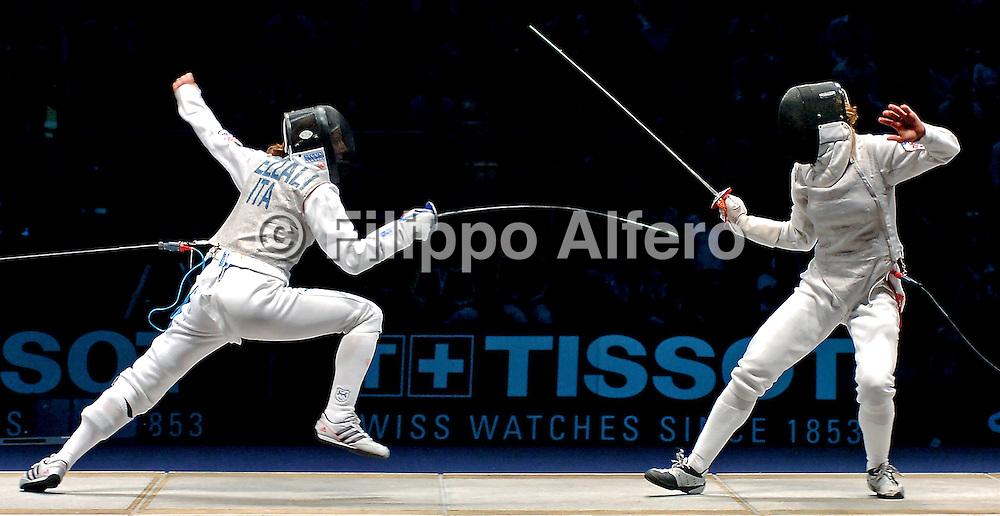 &copy; Filippo Alfero<br /> Torino, 01/10/2006<br /> Sport, Scherma<br /> Mondiali di Scherma 2006 - Torino - Fioretto femminile <br /> Nella foto: un momento della finale Granbassi (ITA) - Vezzali (ITA)