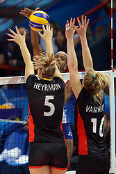 Laura Heyrman and Lise Van Hecke block