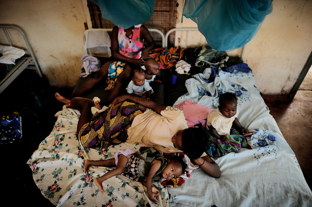 Port Loko, Sierra Leone, children's and maternity ward. Since mid-2010, health care for pregnant women and children under 5 is free - but the hospital have not enough resources to deal with the patients coming.