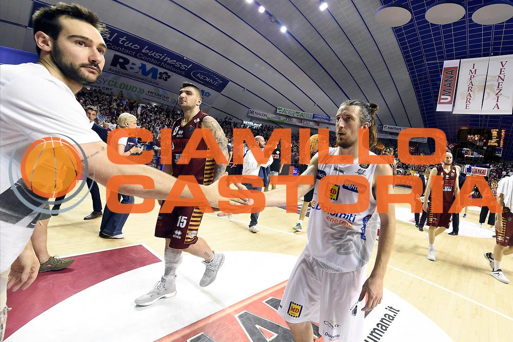 Riccardo Moraschini, Andres Pablo Toto Forray<br /> Umana Reyer Venezia - Dolomiti Energia Aquila Basket Trento<br /> Lega Basket Serie A 2016/2017<br /> Playoff, finale gara 2<br /> Venezia, 12/06/2017<br /> Foto M.Ceretti / Ciamillo-Castoria