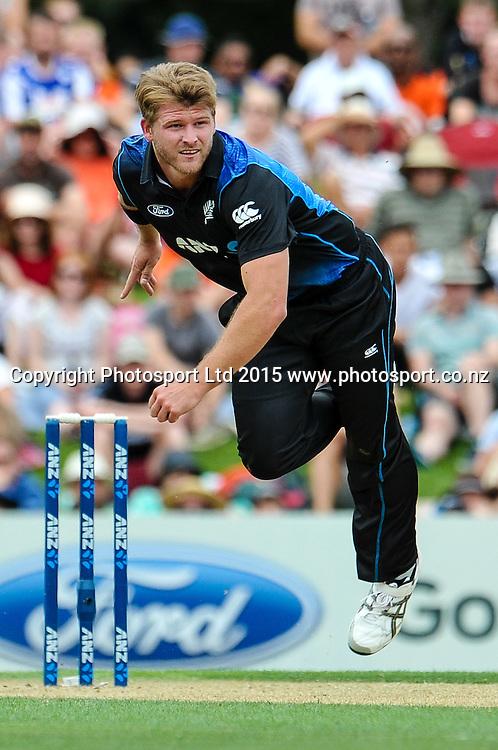 Corey Anderson of the Black Caps bowling in the first ODI, Black Caps v Sri Lanka, at Hagley Oval, Christchurch, 11 January 2015. Photo:John Davidson/www.photosport.co.nz