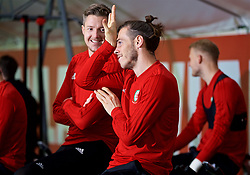 CARDIFF, WALES - Tuesday, November 13, 2018: Wales' Gareth Bale (R) and goalkeeper Wayne Hennessey during a training session at the Vale Resort ahead of the UEFA Nations League Group Stage League B Group 4 match between Wales and Denmark. (Pic by David Rawcliffe/Propaganda)