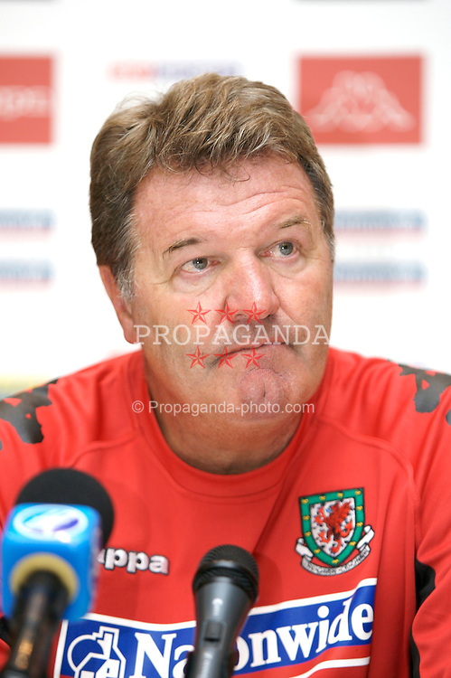 Borgass, Bulgaria - Tuesday, August 21, 2007: Wales' manager John Toshack at a press conference ahead of the friendly match against Bulgaria. (Photo by David Rawcliffe/Propaganda)