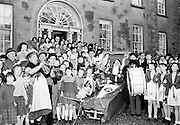 Irish Shell driver's Christmas party at Sandymount, Dublin..1961..10.12.1961..12.10.1961..10th December 1961..The Irish Shell drivers held a Christmas party for children at Lakelands Convent, Sandymount, Dublin. the main attraction was of course Santa Claus who arrived by sled.