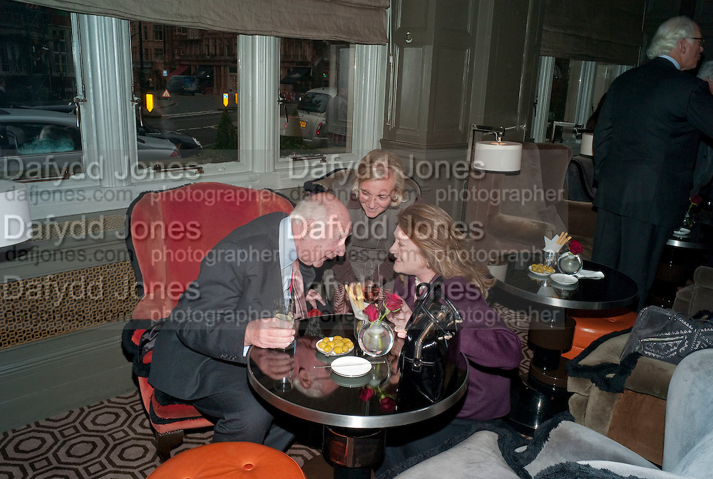 PRINCE RUPERT LOEWENSTEIN;COUNTESS DORA  DELLA GHEREDESCA; LEONORA COUNTESS OF LICHFIELD. Graydon and Anna Carter host a lunch for Carolina Herrera to celebrate the ipening of her new shop on Mount St. .The Connaught. London. 20 January 2010