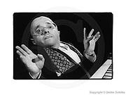 Berlin, DEU, 25.10.1995: Michel Petrucciani, Pianist, hatte die Glasknochenkrankheit, Kammermusiksaal, Berlin, 25.10.95, 150002sw, SCHILKE_1995102515000200 [ Photo-copyright: Detlev Schilke, Postfach 350802, 10217 Berlin, Germany, Mobile: +49 (0)170 3110119, www.detschilke.de - Jegliche Nutzung nur gegen Honorar nach MFM, Urhebernachweis nach Par. 13 UrhG und Belegexemplare. Only editorial use, advertising after agreement! Eventuell notwendige Einholung von Rechten Dritter wird nicht zugesichert, falls nicht anders vermerkt. AGB/TERMS: http://www.detschilke.de/terms.html ]
