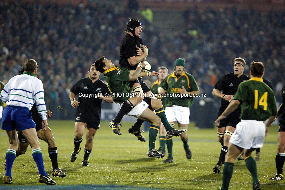 9 August 2003, International Rugby Union, Phillips Tri-Nations, All Blacks v South Africa, Carisbrook, Dundein, New Zealand. Ali Williams.<br />