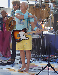 15.08.2013, New York, USA, Today Show, im Bild Jimmy Buffett // during the Today Show in New York City, Unites States of Amerika on 2013/08/15. EXPA Pictures © 2013, PhotoCredit: EXPA/ Newspix/ MediaPunch Inc<br /> <br /> ***** ATTENTION - for AUT, SLO, CRO, SRB, BIH, TUR, SUI and SWE only *****