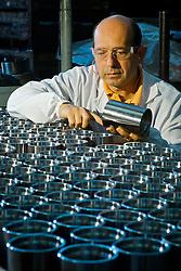 Colaboradores da Lupatech/Petroima, com sede em Caxias do Sul, na linha de montagem de peças da empresa. FOTO: Jefferson Bernardes/Preview.com