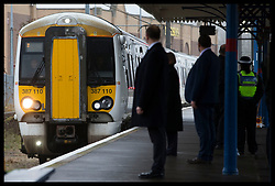 December 21, 2017 - Kings Lynn, United Kingdom - Image  licensed to i-Images Picture Agency. 21/12/2017. Kings Lynn , United Kingdom. The Queen's scheduled train from Kings Cross  station in London pulls in to Kings Lynn station in Norfolk, United Kingdom before she alights at the start of her  traditional Christmas holiday at Sandringham. for Christmas holidays. (Credit Image: © Stephen Lock/i-Images via ZUMA Press)