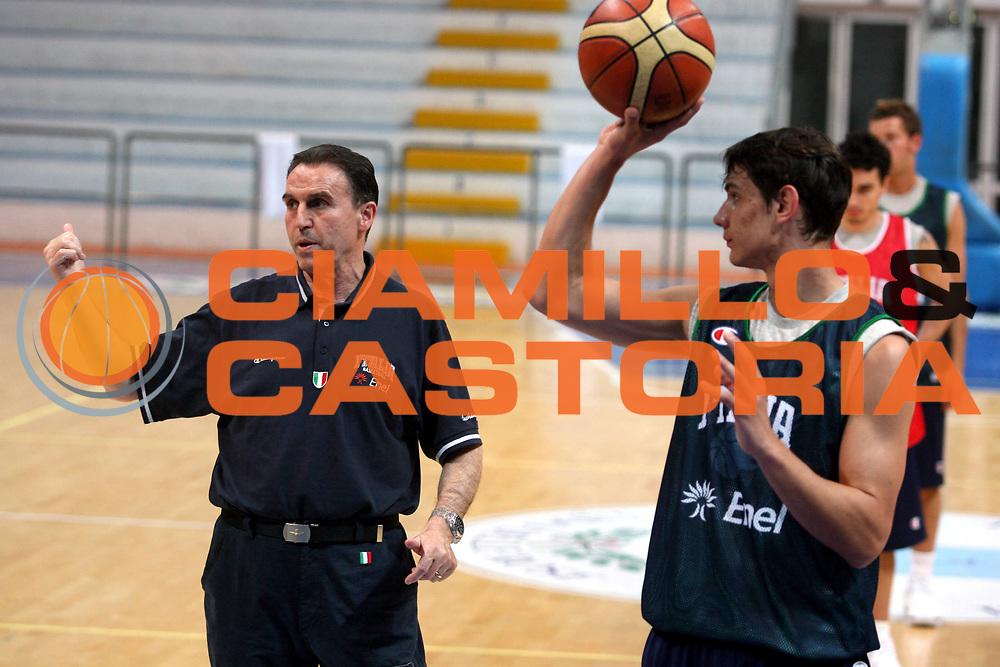 DESCRIZIONE : Roseto Raduno Nazionale Italiana Maschile <br />GIOCATORE : Recalcati <br />SQUADRA : Nazionale Italia Uomini <br />EVENTO : Raduno Nazionale Italiana Maschile <br />GARA : <br />DATA : 19/05/2008 <br />CATEGORIA : Ritratto<br />SPORT : Pallacanestro <br />AUTORE : Agenzia Ciamillo-Castoria/G.Ciamillo