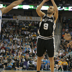 29 March 2009: San Antonio Spurs guard Tony Parker (9) shoots during a 90-86 victory by the New Orleans Hornets over Southwestern Division rivals the San Antonio Spurs at the New Orleans Arena in New Orleans, Louisiana.