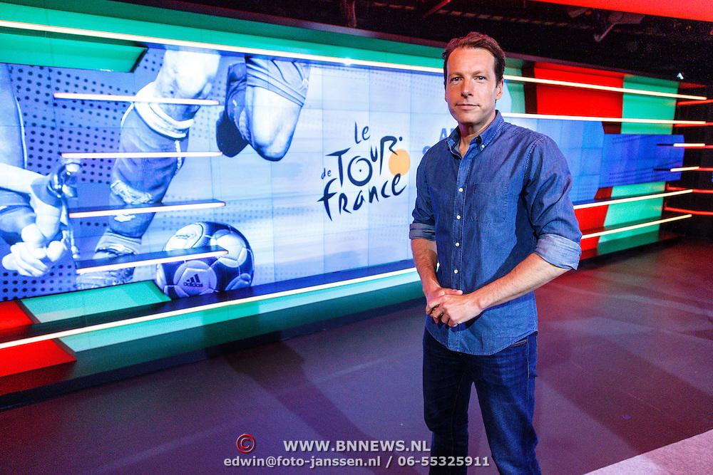 NLD/Hilversum/20160526 - perspresentaties NOS Sportzomer 2016, EK Voetbal & Tour de France, Herman van der Zandt