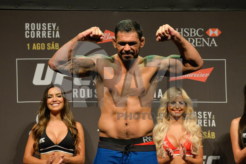 RIO DE JANEIRO, RJ, 31.07.2015 - UFC-RJ - O Rodrigo Minotauro durante a pesagem do UFC 190: Rousey vs. Correia, na HSBC Arena, na zona oeste, nesta sexta-feira (31). (Foto: João Mattos / Brazil Photo Press)