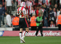 Photo: Lee Earle.<br /> Southampton v Queens Park Rangers. Coca Cola Championship. 30/09/2006. Saint's Gareth Bale looks dejected as they lose to QPR.