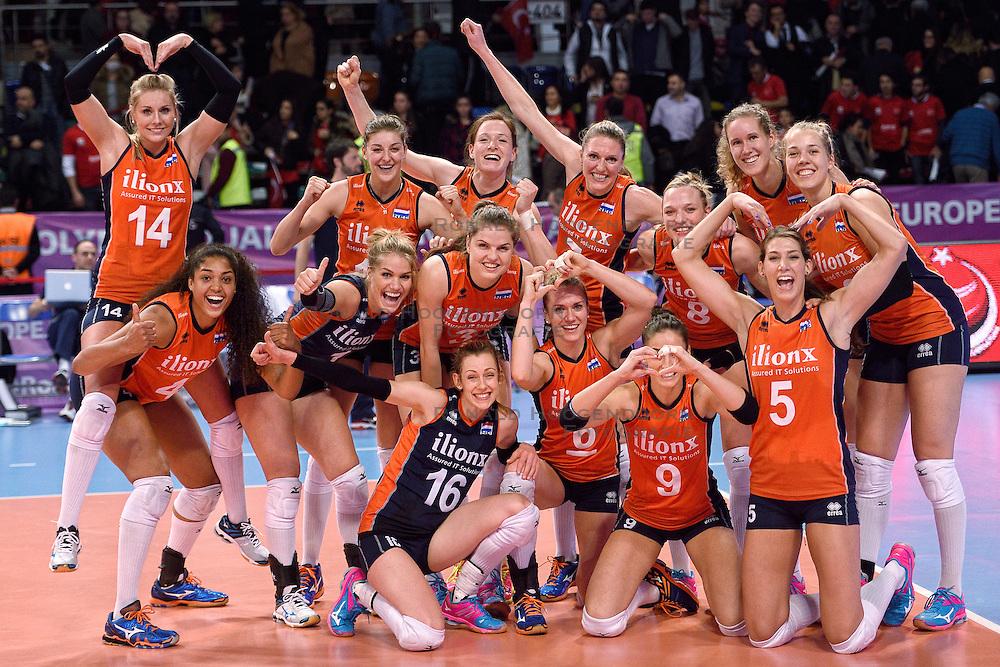 06-01-2016 TUR: European Olympic Qualification Tournament Turkije - Nederland, Ankara<br /> Nederland wint met 3-0 van Turkije / Nederland viert feest na de fantastische 3-0 overwinning op Turkije.