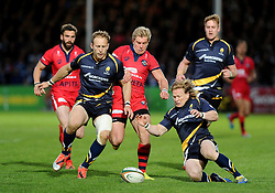 Bristol Rugby Winger Charlie Amesbury chases Full Back Chris Pennell and Worcester Winger Tom Biggs   - Photo mandatory by-line: Joe Meredith/JMP - Mobile: 07966 386802 - 27/05/2015 - SPORT - Rugby - Worcester - Sixways Stadium - Worcester Warriors v Bristol Rugby - Greene King IPA Championship
