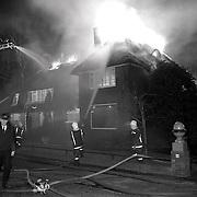 NLD/Baarn/19900201 - Grote brand Amsterdamsestraatweg Baarn, explosie met 2 gewonden