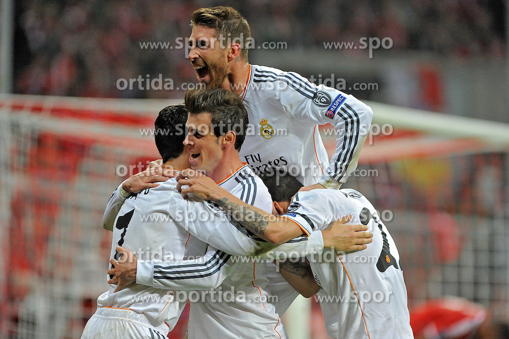 29.04.2014, Allianz Arena, Muenchen, GER, UEFA CL, FC Bayern Muenchen vs Real Madrid, Halbfinale, Ruckspiel, im Bild Freude bei Cristiano Ronaldo (Real Madrid) nach seinem Tor zum 0:3, ganz links, daneben Gareth Bale (Real Madrid), Sergios Ramos (Real Madrid) und Angel di Maria (Real Madrid) // during the UEFA Champions League Round of 4, 2nd Leg Match between FC Bayern Munich vs Real Madrid at the Allianz Arena in Muenchen, Germany on 2014/04/30. EXPA Pictures &copy; 2014, PhotoCredit: EXPA/ Eibner-Pressefoto/ Stuetzle<br /> <br /> *****ATTENTION - OUT of GER*****