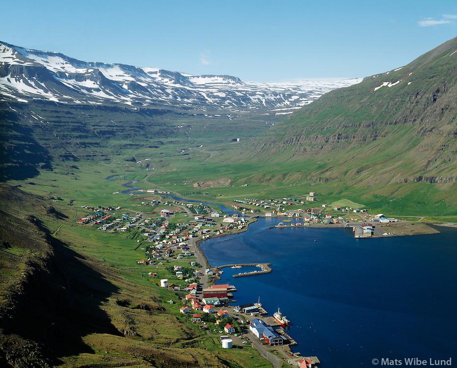Seyðisfjörður séð til vesturs / Seydisfjordur viewing west 1989