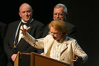 Mannheim. 11.02.18  <br /> Nationaltheater. Gro&szlig;e b&uuml;rgerschaftliche Auszeichnung &quot;Das Bloomaul&quot; an Rolf G&ouml;tz.<br /> Das Auswahlkomitee, darunter Bert Siegelmann, Achim Weizel und Marcus Haas, entschied sich f&uuml;r Rolf G&ouml;tz. Helen Heberer h&auml;lt die Laudatio.<br /> Bild-ID 082   Markus Pro&szlig;witz 11FEB18 / masterpress