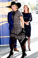 4-10 -2016 ROTTERDAM - Queen Maxima attends the opening of the European congress on nursing care for the elderly. in De Doelen in Rotterdam, attended the opening of the European congress on nursing care for the elderly. At the congress, the central question is what good nursing care and how nurses can help ensure that these elderly care also actually get. The conference will be opened by Van Rijn State Secretary for Health, Welfare and Sport. COPYRIGHT ROBIN UTRECHT<br /> 4-10 -2016 ROTTERDAM -  Koningin Maxima is aanwezig bij de opening van het Europees verpleegkundig congres over de zorg voor ouderen. in De Doelen in Rotterdam aanwezig bij de opening van het Europees verpleegkundig congres over de zorg voor ouderen. Bij het congres staat de vraag centraal wat goede verpleegkundige zorg is en hoe verpleegkundigen eraan kunnen bijdragen dat ouderen deze zorg ook daadwerkelijk krijgen. Het congres wordt geopend door staatssecretaris Van Rijn van Volksgezondheid, Welzijn en Sport. COPYRIGHT ROBIN UTRECHT