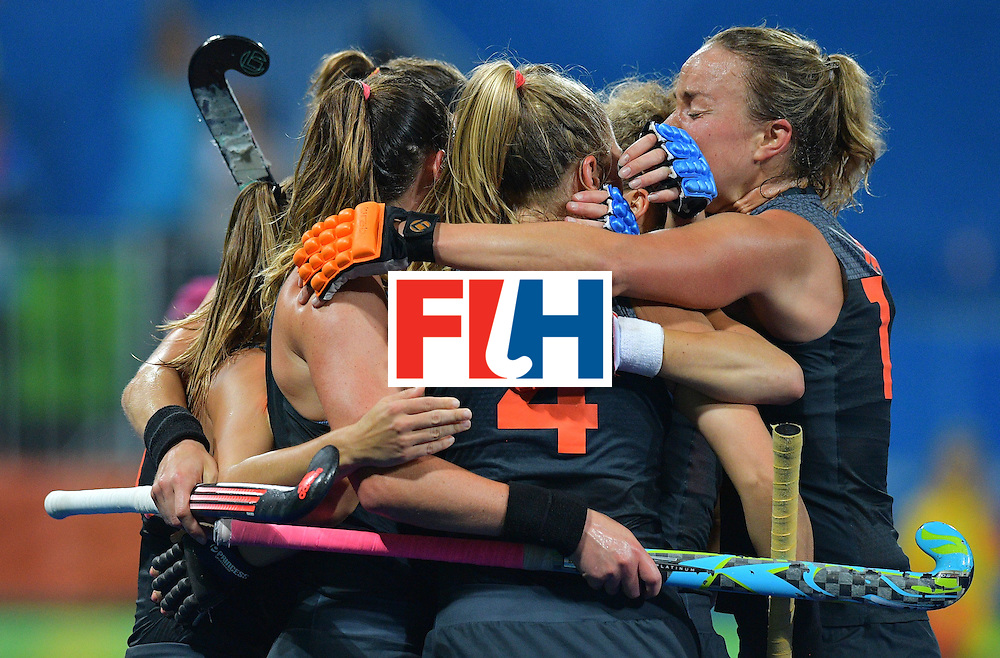 TOPSHOT - Netherland's players celebrate a goal during the women's field hockey China vs Netherlands match of the Rio 2016 Olympics Games at the Olympic Hockey Centre in Rio de Janeiro on August, 10 2016. / AFP / Carl DE SOUZA        (Photo credit should read CARL DE SOUZA/AFP/Getty Images)