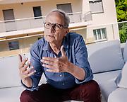 Montreux, juillet 2018. Jacques Pilet, journaliste. Ancien rédacteur en chef du magazine l'Hebdo. Aujourd'hui initiateur de Bon pour la tête. Il parle de la crise chez Tamedia et de la grève récente des journalistes. © Olivier Vogelsang