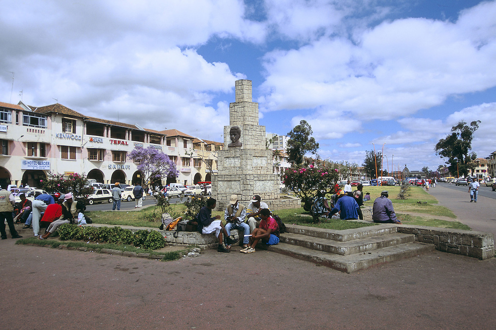AVENUE DE L'INDEPENDANCE, ANTANANARIVO, MADAGASCAR