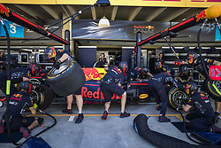 November 10, 2017 - Sao Paulo, Sao Paulo, Brazil - Nov, 2017 - Sao Paulo, Sao Paulo, Brazil - RedBull Racing Team. Free practice this Friday (10), for the Brazilian Grand Prix of Formula One that takes place next Sunday at the Autodromo de Interlagos in São Paulo. (Credit Image: © Marcelo Chello via ZUMA Wire)