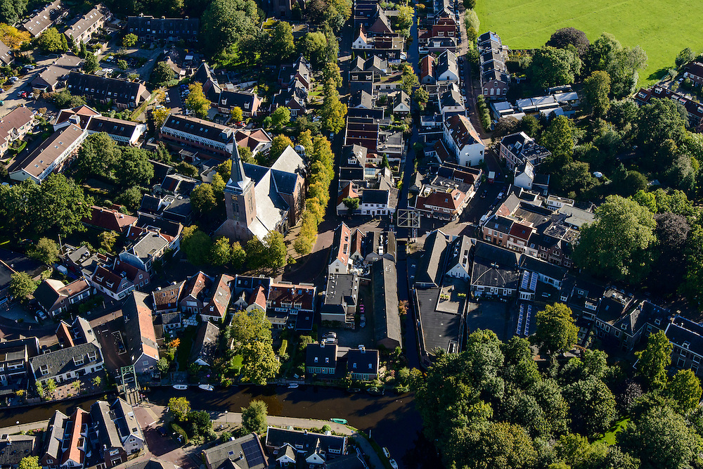 Nederland, Utrecht, Gemeente De Ronde Venen, 27-09-2015; Abcoude, Kerkstraat.<br /> luchtfoto (toeslag op standard tarieven);<br /> aerial photo (additional fee required);<br /> copyright foto/photo Siebe Swart