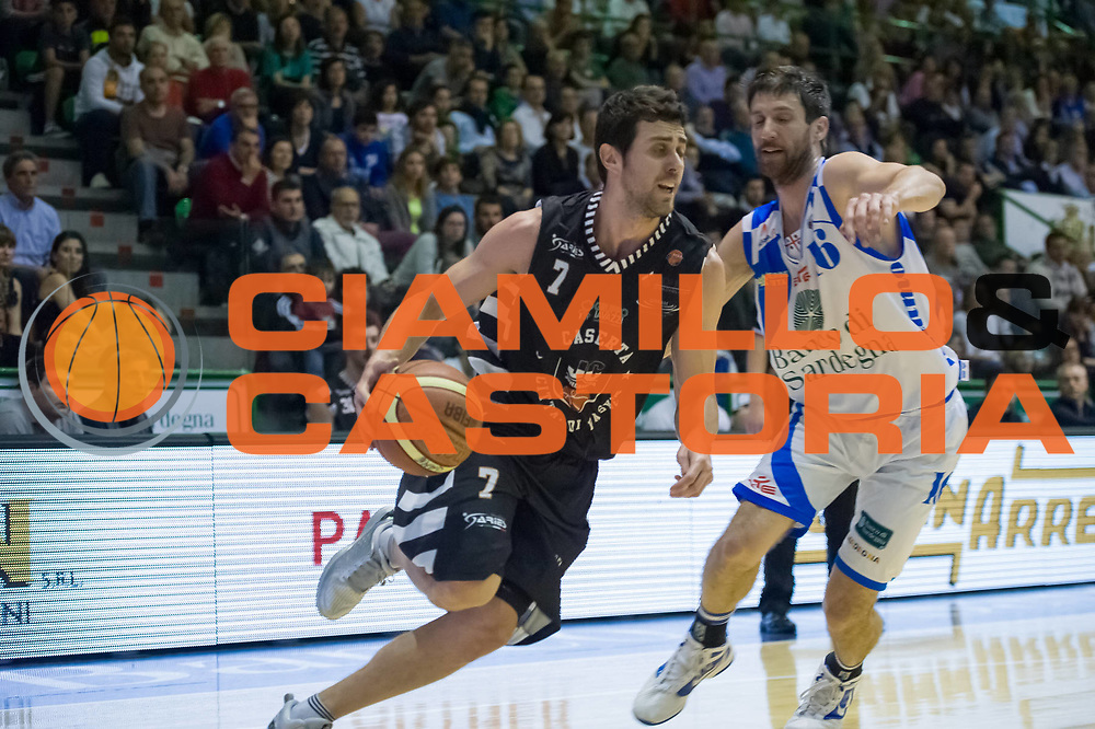 DESCRIZIONE : LegaBasket Serie A 2012-13 Banco di Sardegna Dinamo Sassari - Juve Caserta<br /> GIOCATORE : Giuliano Maresca<br /> CATEGORIA : Palleggio Penetrazione<br /> SQUADRA :  Juve Caserta<br /> EVENTO : Campionato Serie A<br /> GARA : Banco di Sardegna Dinamo Sassari - Juve Caserta<br /> DATA : 28/04/2013<br /> SPORT : Pallacanestro <br /> AUTORE : Agenzia Ciamillo-Castoria / Luigi Canu<br /> Galleria : Lega Basket A 2012-2013  <br /> Fotonotizia : LegaBasket Serie A 2012-13 Banco di Sardegna Dinamo Sassari - Juve Caserta<br /> Predefinita :