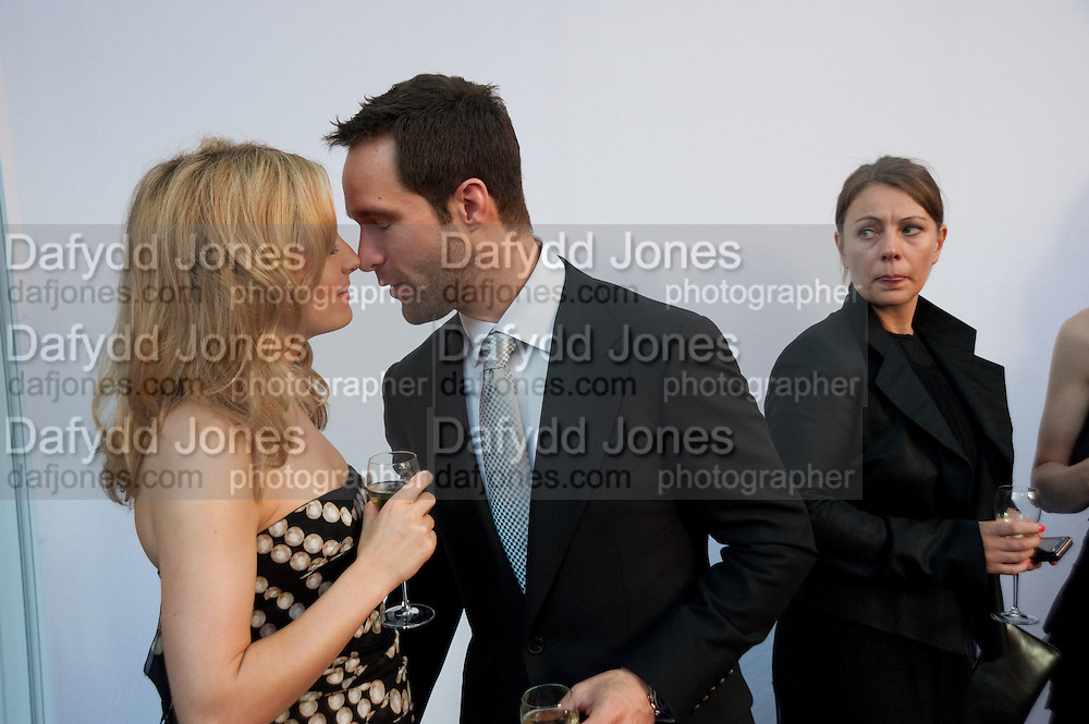 Chris Diamantopoulos; Becki Newton, Glamour magazine Women of the Year Awards. Berkeley Square. London. 2 June 2009 *** Local Caption *** -DO NOT ARCHIVE-© Copyright Photograph by Dafydd Jones. 248 Clapham Rd. London SW9 0PZ. Tel 0207 820 0771. www.dafjones.com.<br /> Chris Diamantopoulos; Becki Newton, Glamour magazine Women of the Year Awards. Berkeley Square. London. 2 June 2009