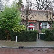 NLD/Laren/20120119 - Woning waar coco de Meyere zelfmoord pleegde staat te koop