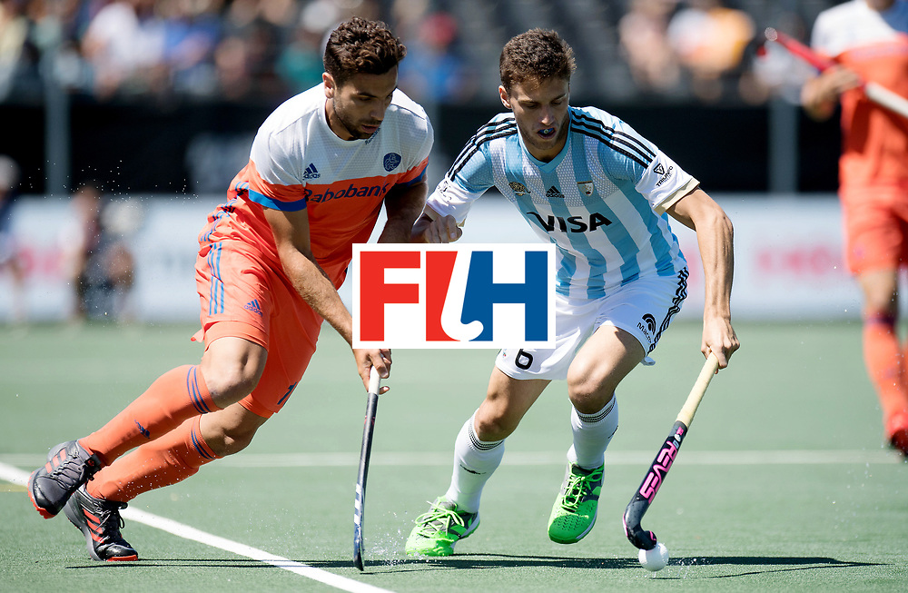 BREDA - Rabobank Hockey Champions Trophy<br /> 3rd/4th place The Netherlands - Argentina<br /> Photo: Valentin Verga and TARAZONA Santiago.<br /> COPYRIGHT WORLDSPORTPICS FRANK UIJLENBROEK