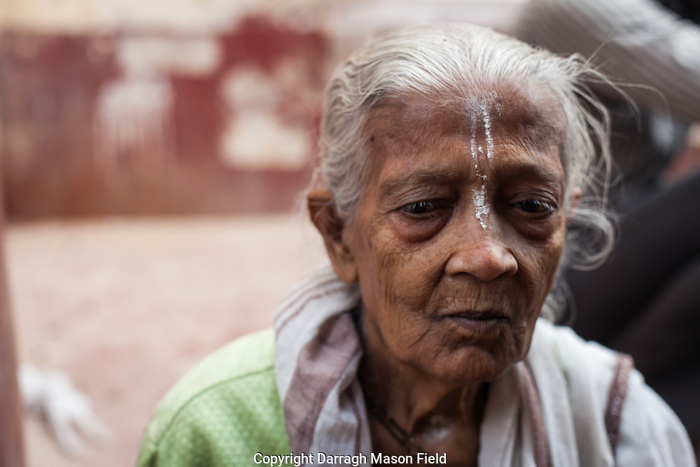 Sarwihawti, 85 years old from Kolkata has been in Vrindavan for 25 years.  She told us her family don't care for her, her son threw her out after her husbands death to go to Vrindavan and get Baksheesh (beg for alms, donations).  In a recent report to the Supreme Court of India,  the National Council of Women recommended fixing of liability on the children under the Maintenance and Welfare of Parents and Senior Citizens Act,  2007.