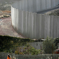 The separation wall, Shoafat refugee camp. November 2007.