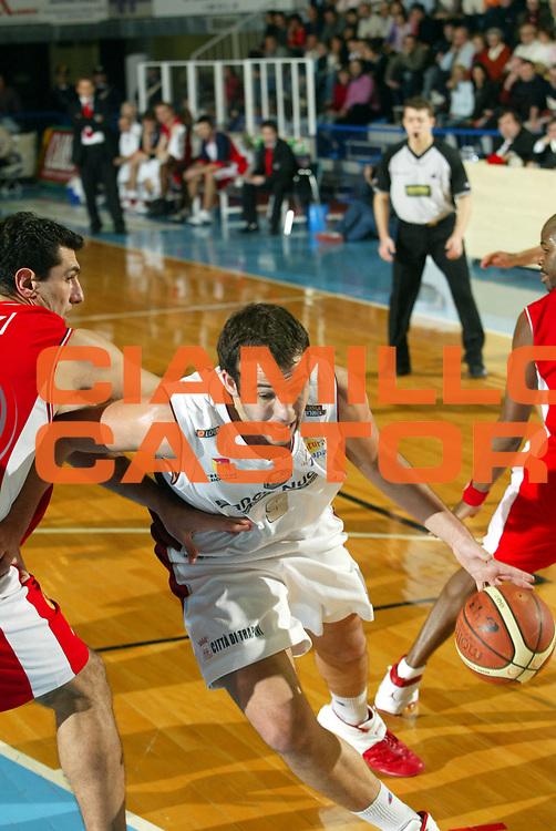 DESCRIZIONE : Faenza Lega A2 2005-06 Andrea Costa Imola Banca Nuova Trapani <br /> GIOCATORE : Agosta <br /> SQUADRA : Banca Nuova Trapani <br /> EVENTO : Campionato Lega A2 2005-2006 <br /> GARA : Andrea Costa Imola Banca Nuova Trapani <br /> DATA : 08/01/2006 <br /> CATEGORIA : Penetrazione <br /> SPORT : Pallacanestro <br /> AUTORE : Agenzia Ciamillo-Castoria/M.Marchi